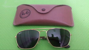Ray Ban gold frame sunglass including case