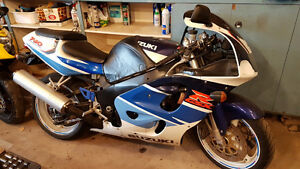 1996 Suzuki GSX-R750 Blue and white