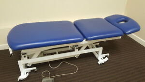 Hydraulic therapy table