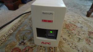 APC Back UPS 300 BK300C 120V (Needs Batteries)