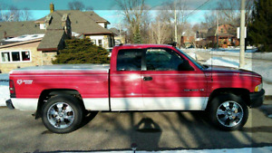 1998 Dodge RAM extremely nice truck ...safety... Just ran out