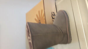 NWT GREY UGG BOOTS-NEVER WORN
