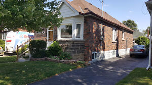 Gorgeous 3 bdr house in prime south central location