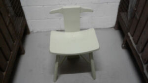Small accent chair / Chaise petit accent