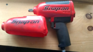 1/2 inch impact Snap On top quality new condition