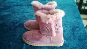 like new genuine uggs, lilac color...outgrown too soon!