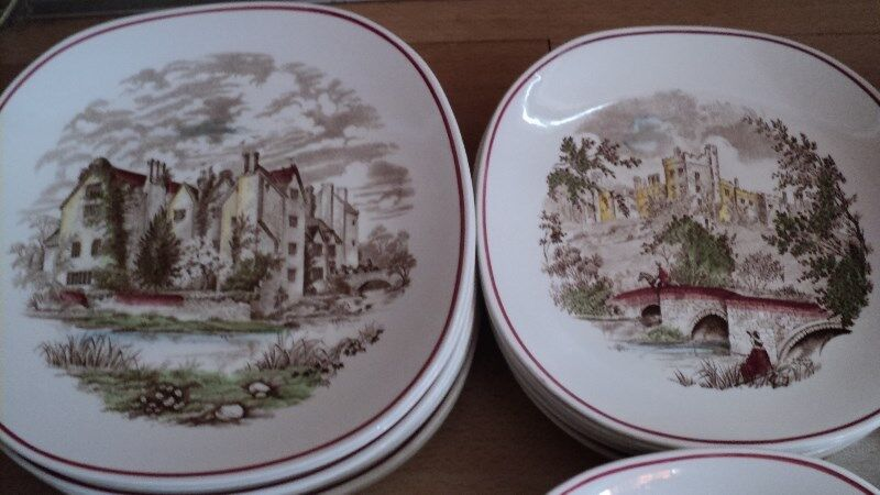 J&G Meakin Crockery set