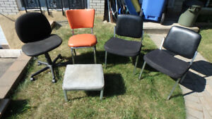 Chaises Assortis Assorted Chairs, metal and desk, vintage retro