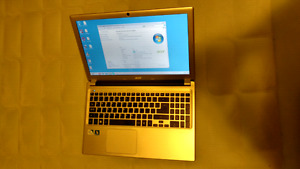 Acer Laptop with Box Very Good Condition