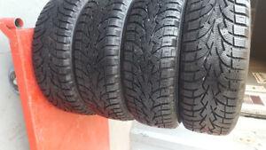 4 pneus d hiver TOYO 175-65-14 monter sur rim 4x100 comme neuf