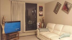 FURNISHED 1 BEDROOM CONDO UNIT Downtown Calgary - December