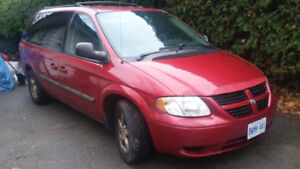 \Grand Caravan with full stow n go, trailer hitch