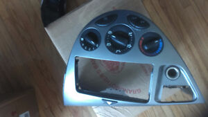 PARTS FOR 2000-03 FORD FOCAS--POWER MIRRORS--GRILL -- Windsor Region Ontario image 2