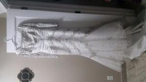 White wedding dress Edmonton Edmonton Area image 2