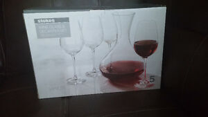 Brand new wine glasses and decantier set