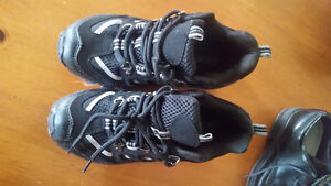 Sneakers - Size 7 mens