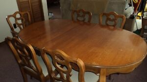 Dining table/5 chairs and china cabinet buffet Kawartha Lakes Peterborough Area image 3