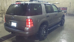 2005 Ford Explorer SUV, Crossover REDUCED