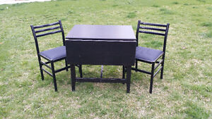 expandable folding drop leaf table and 2 chairs