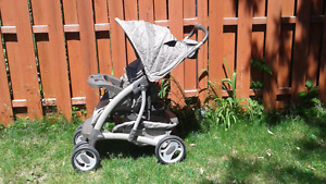 Pousette / Graco stroller, car seat and 2 bases