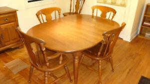 Dining Room Table and 6 Chairs, Solid Maple