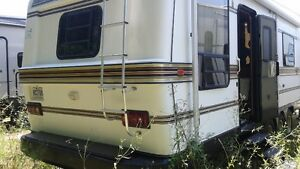 Roulotte 40' Country Air Fifth wheel année 1990