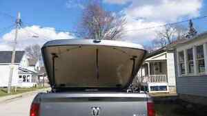 Dodge ram tonneau cover from 09 to 14 London Ontario image 3