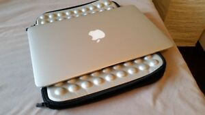 MacBook Air 11""