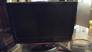 LCD flat screen TV 21 inches $40 firm