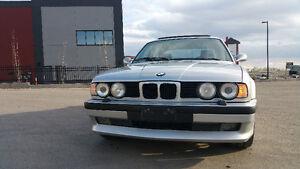 Beautiful 1990 BMW 525 i  Manual.