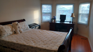 Master's Room w/ Ensuite?! Yes please! (UTSC/Centennial)
