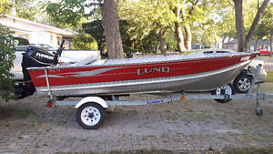 Lund boat with newer 2012 evinrude etec motor