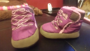 North face Size 2 infant boots