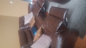 Free Reclainable Leather Sofa Set with Loveseat & Chair