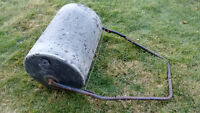 """18"""" x 24 """"  Lawn Roller 260 lbs fills with water"""