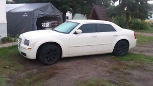 LOOK REDUCED 2005 Chrysler 300