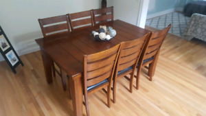 Large 7 Piece Dinning Set with leaf