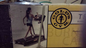 Golds Gym Trainer 410 Treadmill - Never Opened Give it as a Gift Oakville / Halton Region Toronto (GTA) image 2