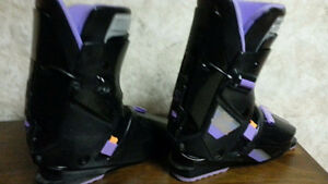 MEN`S SKI BOOTS   AND SKIS