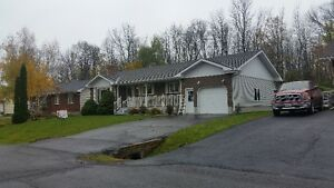 12 NAPIER ST, INGLESIDE, ON