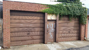 430 Sq feet garage with tall ceilings for rent.