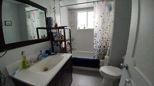 5 1/2 au 1er étage d'un triplex isolé à Greenfield Park - 985$