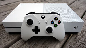 Xbox one S 1tb with controller and charge kit
