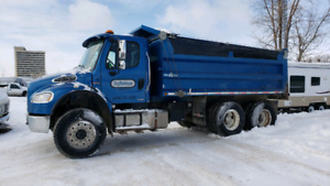 2012 Freightliner tandem truck 209K Kms front axle 16,000 lbs