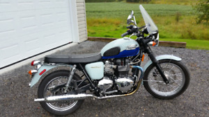 2010 Triumph Bonneville T100 Sixty / Limited Edition