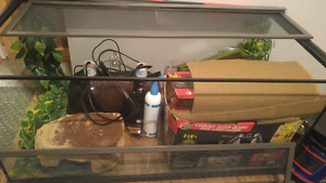 Reptile tank and accesories