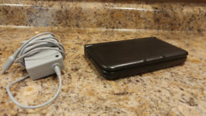 Nintendo 3DSXL slightly used (With case charger and 5 games)