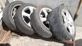 4 Avis alloy wheels with tyres
