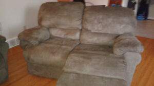 Couch and love seat recliners