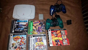 Selling a PS1+2 Controllers+3 Games!